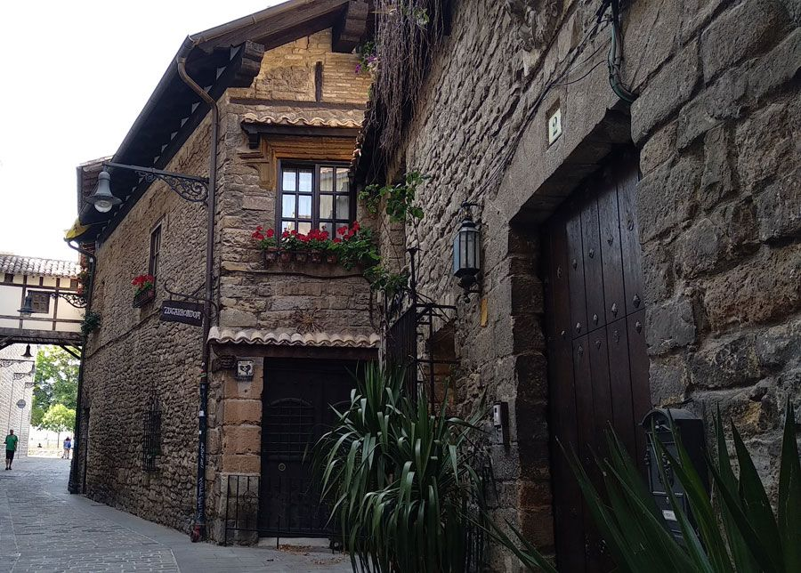 calle gótica en Pamplona