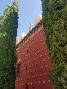 teatre Museu Dali exterior a Figueres