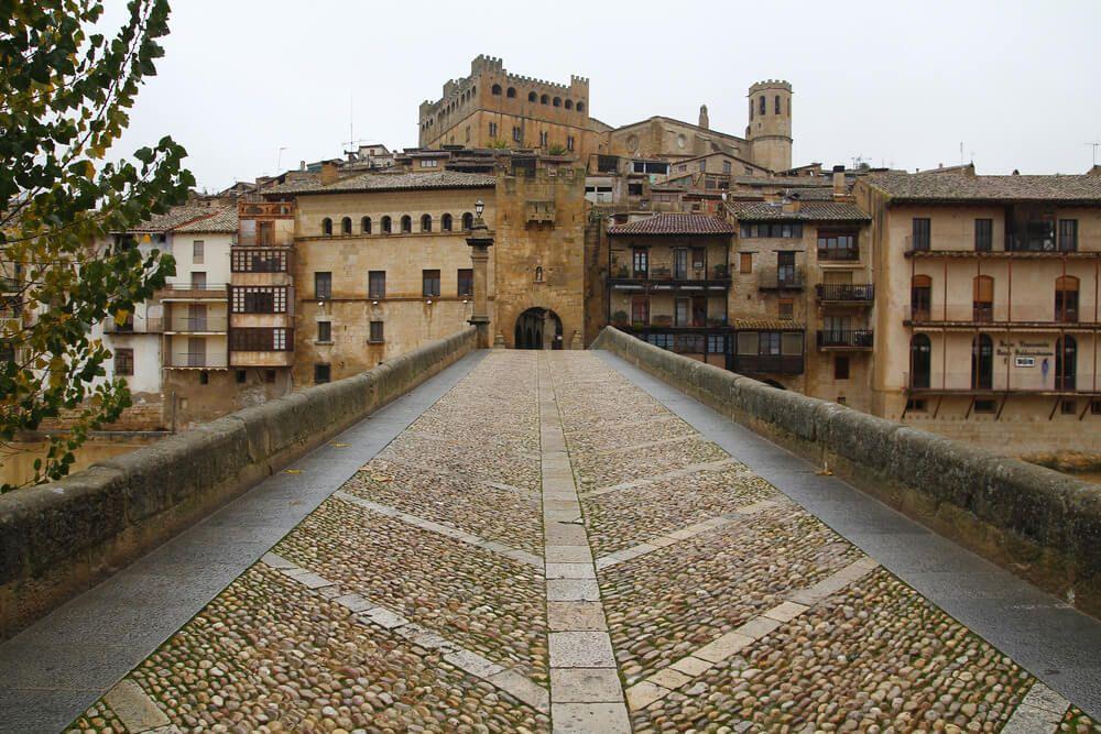 Puente de Piedra de Valderrobres en Teruel